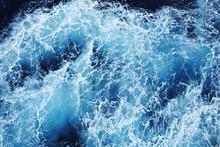Raue Wasseroberfläche 2