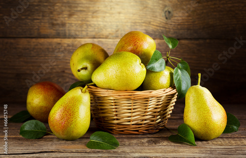 Fotografía  still life with fresh pears