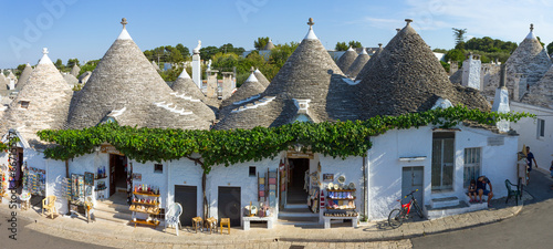 Italy, Apulia, Alberobello, trulli, typical houses Canvas Print