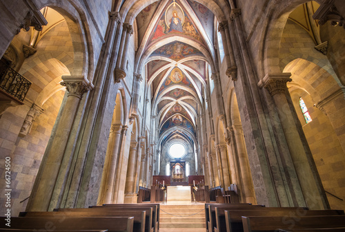Papiers peints Edifice religieux Interior of Pannonhalma basilica, Pannonhalma, Hungary