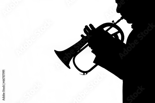 Fotografia man playing a trumpet on white background