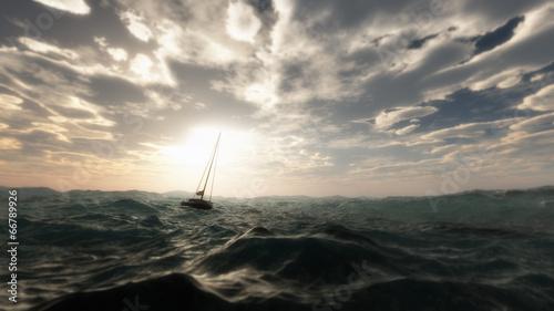 Zagubiona żaglówka w dzikim burzowym oceanie. Pochmurne niebo.