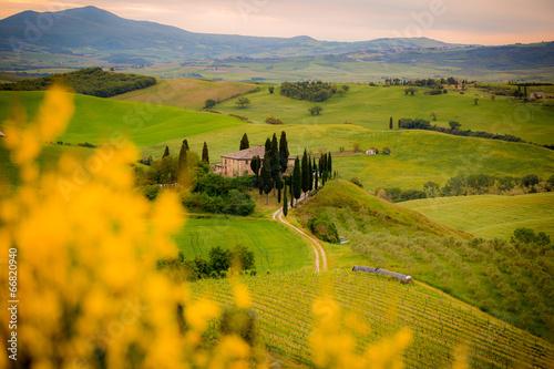 Toscana, paesaggio e podere al tramonto Slika na platnu