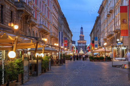 Valokuva  Via Dante, Milan, Italy