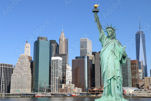 Poster New York Manhattan Skyline and The Statue of Liberty