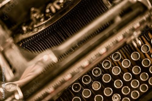 ghost-writer-typewriter