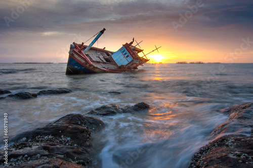 Photo sur Toile Naufrage shipwreck