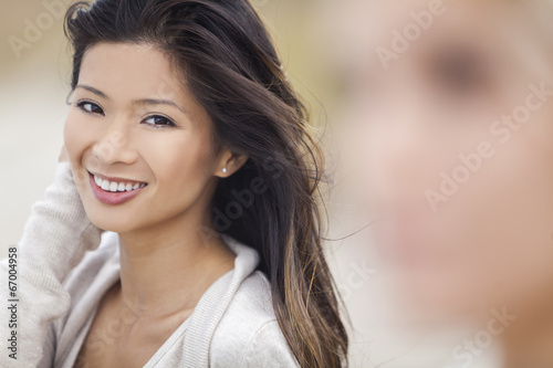Fotografia  Chinese Asian Woman Girl at Beach