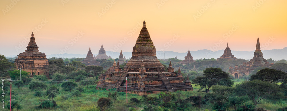 Fototapeta Panorama of  Bagan temple at sunset, Myanmar