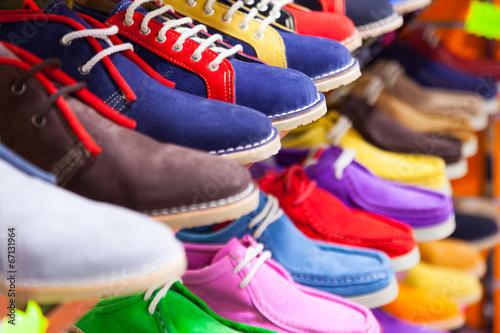 Fotografía  lots of sport shoes