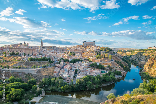 Keuken foto achterwand Turkoois Panoramic view of the historic city of Toledo with river Tajo in