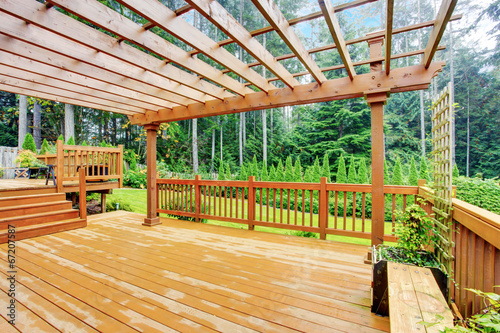 Walkout deck overlooking backyard landscape Obraz na płótnie