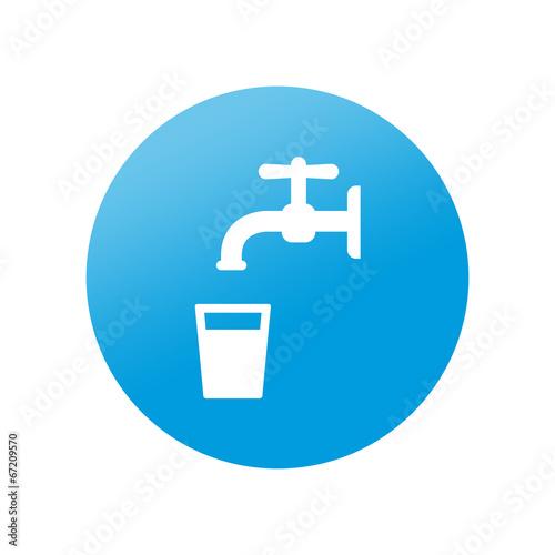 Fotografía  Etiqueta redonda agua potable