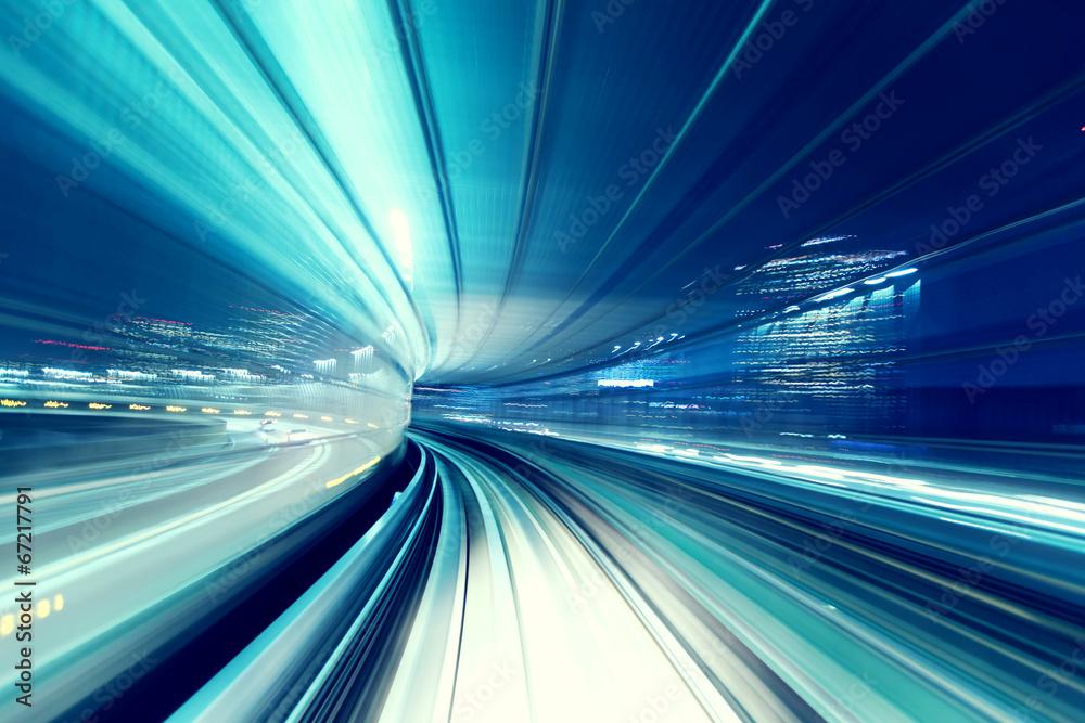 Fotografía Tren automatizado de guía por la noche