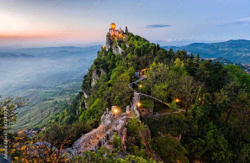 Fototapeta San Marino Castle at Sunrise