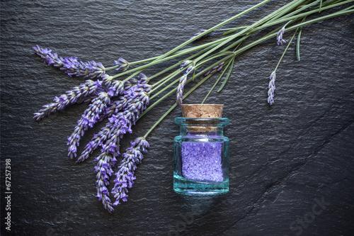 Tuinposter Lavendel Lavande sels de bain ardoise