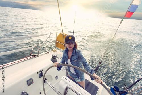 Poster Peche Woman steering yacht b