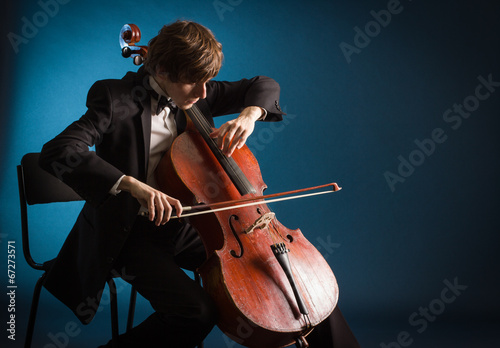 Fotomural Cellist playing classical music on cello