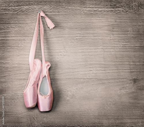 fototapeta na szkło nowe różowe baletki