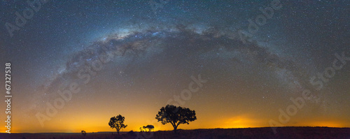 Spoed Fotobehang Afrika The Full Milky Way