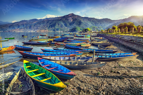 Foto op Canvas Nepal Boats in Pokhara lake