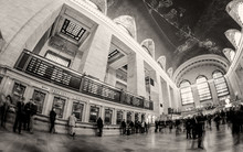 People And Tourists Moving In Grand Central