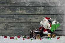 Santa Claus Zu Weihnachten Auf Holz Hintergrund Mit Rot