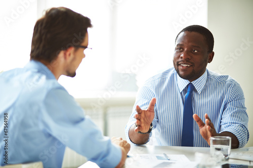 Fototapety, obrazy: Businessmen talking