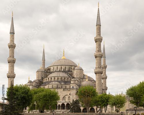 blekitny-meczet-w-istanbul-turcja-sultanahmet-camii