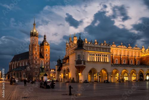 Aluminium Prints Krakow Marienkirche von Krakau und Tuchhallen