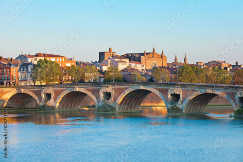 Fotografia  The Pont Neuf in Toulouse in summer