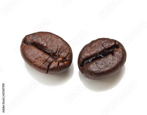 Papiers peints Café en grains Coffee bean isolated on white background