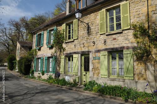 Staande foto Industrial geb. Ile de France, the picturesque village of Auvers sur Oise