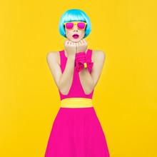Glamorous Lady Bright Style