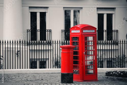 budka-telefoniczna-i-skrzynka-pocztowa