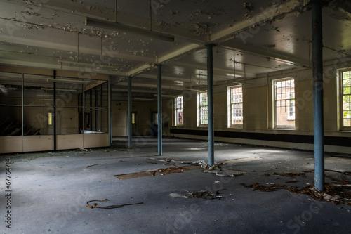 In de dag Industrial geb. old abandoned building