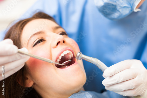 obraz lub plakat Leczenie stomatologiczne