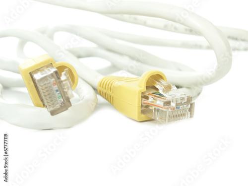 Papel de parede Cable para conexión sobre fondo blanco aislado