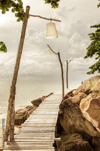 Fototapeta molo  puste-drewniane-molo-na-tropikalnej-wyspie
