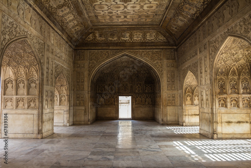 Photo  Detailed art inside Agra Fort India