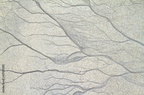 Textures of freshwater veins in the sand