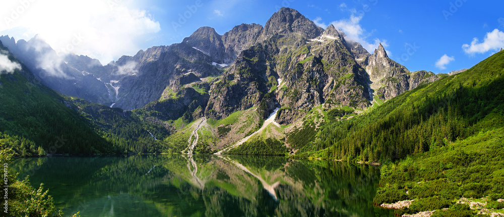 Fototapety, obrazy: Beautiful scenery of Tatra mountains and Eye of the Sea