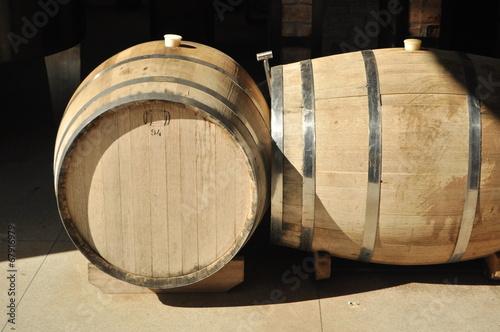 Tela  Barris de Vinho
