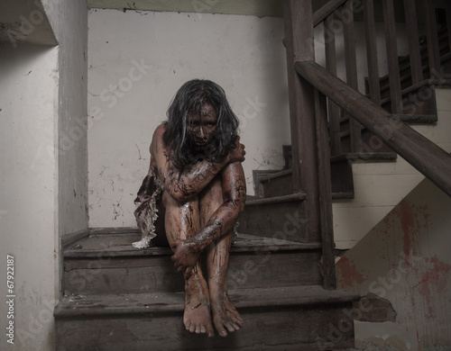 Fotografie, Tablou  Zombie girl in haunted house scary