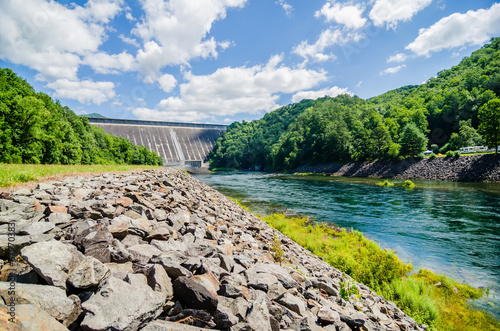 Deurstickers Dam views of man made dam at lake fontana great smoky mountains nc