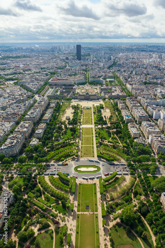 Foto  View of Paris, the Champ de Mars from the Eiffel tower