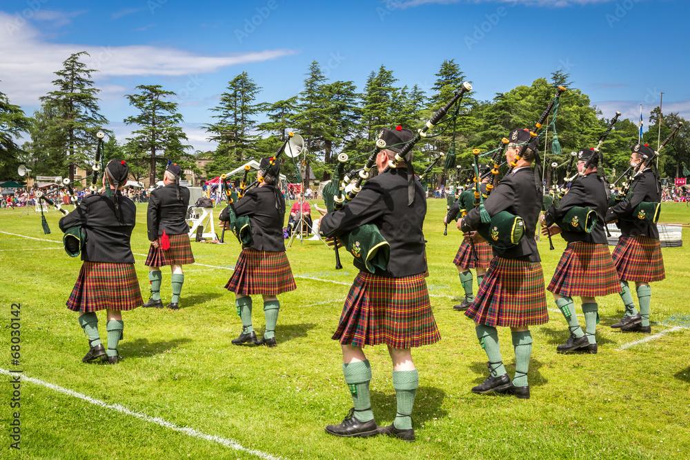 Fototapeta Highland Games #3 - Piper band, Scotland