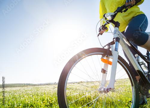 Obraz na plátně Jízda na kole v létě