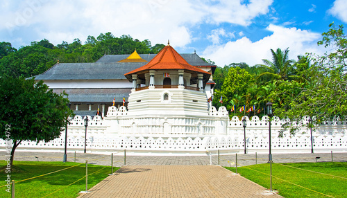 Spoed Foto op Canvas Temple Temple Of The Sacred Tooth Relic