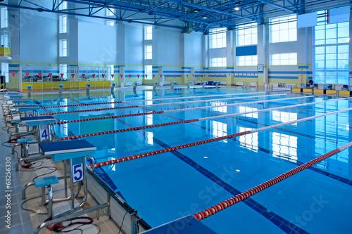 Obraz Empty swiming pool - fototapety do salonu